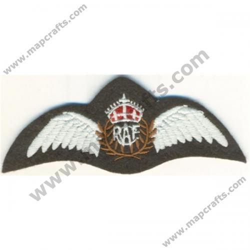 Royal Canadian Air Force Pilots Wings Badge Kings Crown